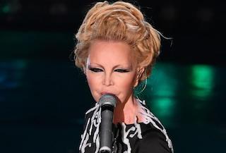 """Patty Pravo tra bigamia, sesso e droga: """"Presi di tutto, oggi neanche la canna come la Vanoni"""""""