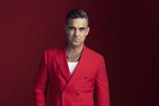 """Robbie Williams presenta l'album di Natale e spiega: """"Sono passato dalla cocaina al cioccolato"""""""