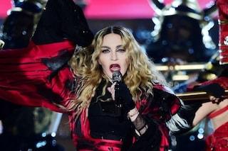 """Madonna annulla un concerto a Lisbona a 45 minuti dall'inizio: """"Devo ascoltarmi e riposare"""""""