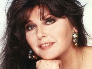 Il significato di Non succederà più, il successo di Claudia Mori fuori gara a Sanremo 1982