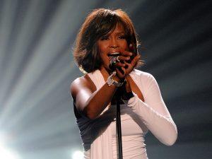 Whitney Houston (ph Kevork Djansezian/Getty Images)