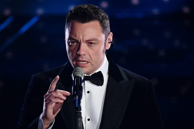 Tiziano Ferro a Sanremo 2020 (LaPresse)