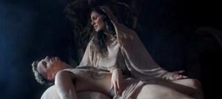 Achille Lauro, l'ultimo travestimento è choc: lui è Gesù, Elena D'Amario la Madonna