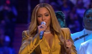 Kobe Bryant, gli omaggi di Beyoncé, Alicia Keys e Christina Aguilera che ha cantato in italiano