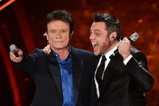 """Il duetto di Tiziano Ferro e Massimo Ranieri a Sanremo: """"Mo' me può chiammà papà"""""""