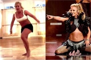 """Britney Spears si rompe il piede e posta il video online: """"Scusate per il rumore"""""""