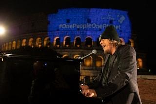 Zucchero come Andrea Bocelli: l'emozione di suonare davanti al Colosseo in una Roma vuota