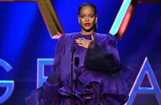 Rihanna dona 4 milioni per le vittime di violenza domestica colpite dal Covid-19