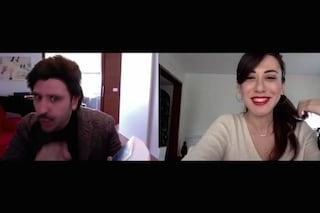 L'ironia di Checco Zalone, canta il Covid-19 e ride con Virginia Raffaele dell'immunità di gregge