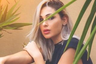 Anna Tatangelo cambia musica, nel nuovo singolo canta in dialetto napoletano