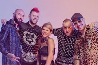 """""""Karaoke"""" dei Boomdabash e Alessandra Amoroso è da due mesi la canzone più trasmessa in radio"""