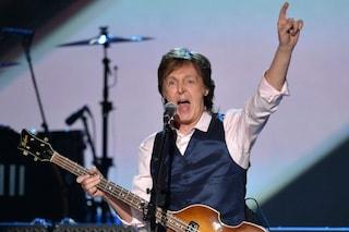 """Paul McCartney con chi protesta per George Floyd: """"Sono arrabbiato, dobbiamo superare il razzismo"""""""