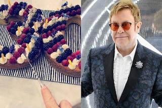 """Elton John festeggia 30 anni senza alcol e droghe: """"Se non l'avessi fatto ora sarei morto"""""""