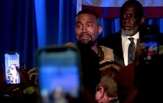 """Kanye West annuncia il nuovo album ma accusa la moglie Kim Kardashian: """"Vuole farmi rinchiudere"""""""