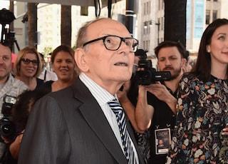 """Ennio Morricone: da """"Sapore di sale"""" ad """"Abbronzatissima"""" c'è lui dietro i tormentoni estivi dei 60"""