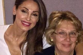 La mamma di Anna Tatangelo cade in casa e si frattura la mandibola, ricoverata in ospedale