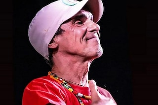 """Manu Chao canta gratis per i sanitari al Festival """"Collisioni Grazie"""" di Alba: """"Grande cuore"""""""