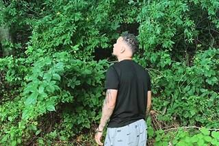 Kane Brown si è perso nel parco-giardino di casa, ritrovato dalla polizia