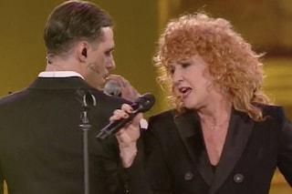 Fiorella Mannoia e Achille Lauro, il duetto con C'est la vie incanta i Seat Music Awards