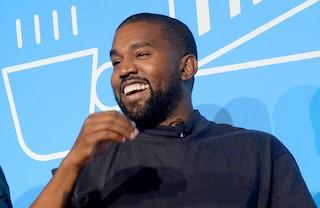"""I love you like Kanye loves Kanye"": Kanye West torna a ""Donda"" dopo la rottura con Kim Kardashian"