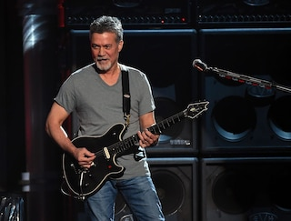 Morto Eddie Van Halen, il chitarrista leggenda del rock aveva 65 anni