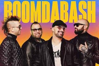 Per i Boomdabash è arrivata l'ora del best of: storia della band nata indie e finita tormentone