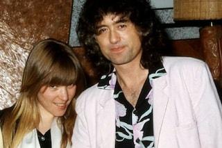 Il chitarrista dei Led Zeppelin Jimmy Page ha annunciato la morte della seconda moglie