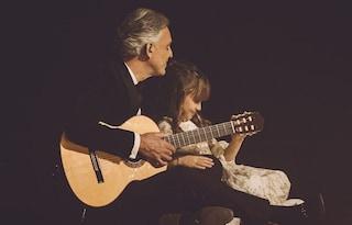 L'emozionante duetto di Andrea Bocelli con la figlia Virginia di 8 anni