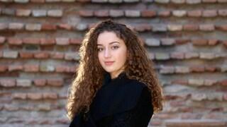 Elena Faggi canta Che ne so a Sanremo Giovani: il testo della canzone in gara tra le Nuove Proposte