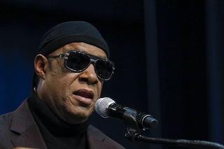 """Stevie Wonder vuole lasciare l'America: """"Troppo razzismo, mi trasferisco in Ghana"""""""
