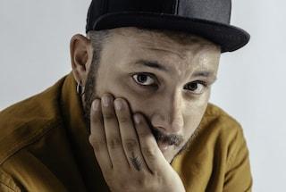 Wrongonyou canta Lezioni di volo a Sanremo Giovani: il testo della canzone in gara tra le Nuove Proposte