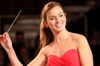 Chi è Beatrice Venezi, la direttrice d'orchestra co-conduttrice a Sanremo 2021