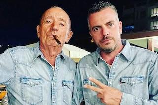 """Mirko figlio di Raoul Casadei: """"Se n'è andato via per il Covid rapidamente e non ha sentito niente"""""""