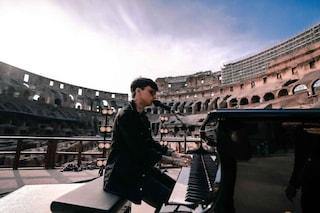 La rabbia dei fan di Ultimo, rimasti fuori dal concerto dal Colosseo trasmesso in streaming