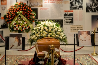 """L'ultimo saluto a Milva, Rita Pavone: """"Sarebbe bello ricordare qualcuno quando è ancora in vita"""""""