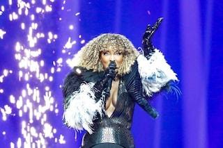 Eurovision 2021: pericoloso incidente per Senhit, costretta a saltare dalla pedana durante le prove