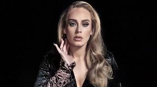 Morto il padre di Adele, lui e la cantante non si parlavano da oltre 20 anni