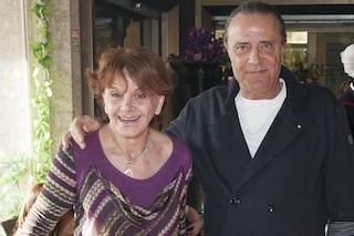 """Nada Ovcina, moglie di Gianni Nazzaro: """"Non avevo soldi per i funerali"""". I vip che l'hanno aiutata"""