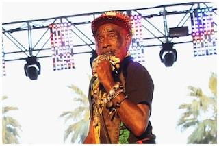 """Morto Lee Scratch Perry, icona del reggae e """"padrino"""" di Bob Marley"""