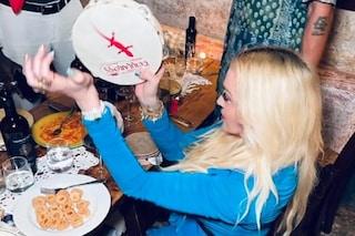 Madonna rivendica il suo amore per l'Italia: tra pizzica e Volare festeggia il compleanno in Puglia