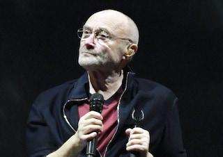 """Phil Collins: """"Riesco a malapena a tenere la bacchetta della batteria in mano"""""""
