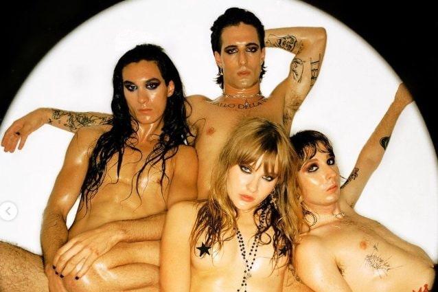 """I Maneskin tutti nudi su Instagram, i fan """"fuori di testa"""": c'entra il video di Mammamia?"""