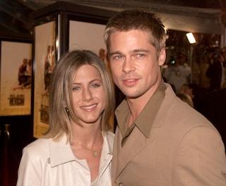 """Quelle telefonate tra Brad Pitt e la Aniston, lo rivela Jennifer: """"Ci sentiamo"""""""