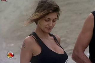 """Isola, naufraghe contro Cristina Buccino: """"È arrivata la principessa sul pisello"""""""