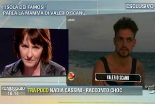 """Valerio Scanu: """"Sono io a tagliare i capelli a mia madre, è una gran figa"""""""
