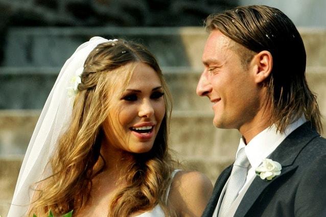 Anniversario Matrimonio Totti.Ilary Blasi E Francesco Totti Si Risposano Un Nuovo Si Per I