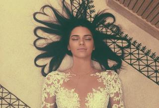 """La foto con più """"like"""" nella storia di Instagram ora è di Kendall Jenner"""