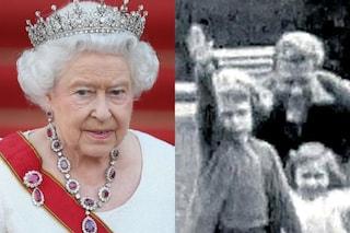La regina Elisabetta fa il saluto nazista a 7 anni, il video scatena lo scandalo a Corte