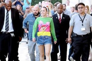 Miley Cyrus, nuovo outfit da coniglietta prima degli MTV VMA 2015