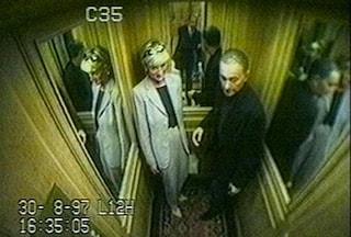"""""""Quando la Regina seppe dell'incidente di Lady Diana esclamò una frase choc"""""""